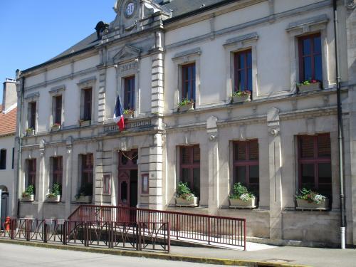 mairie-de-liffol-le-grand